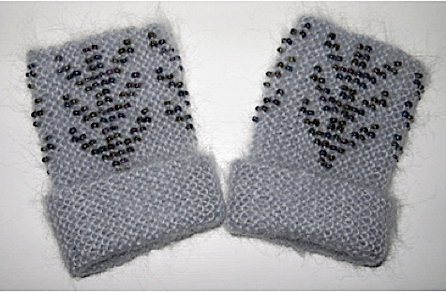 Free Pattern: Black Purl Magazine: Lietuvos Riešines (Beaded Wrist Warmers) Pattern 1