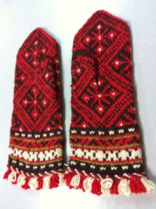 Look at these amazing Lithuanian mittens that Lorna brought to show me today. Sh... 1