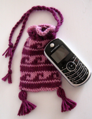 Free Pattern: Cell Phone Case 1