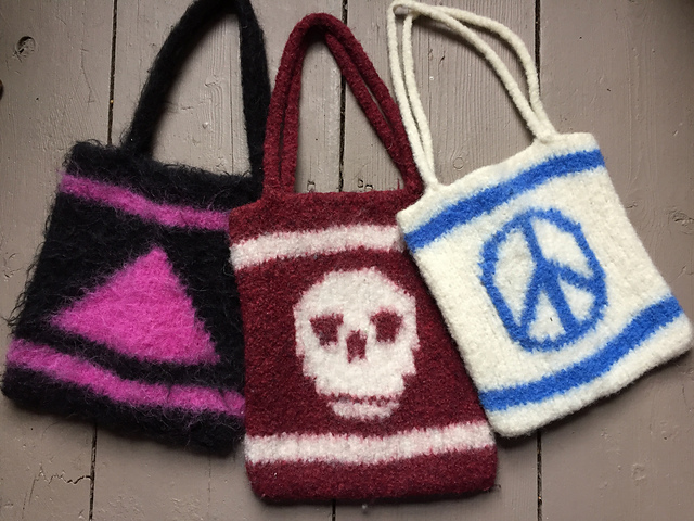 Knitting as a Political Act 1