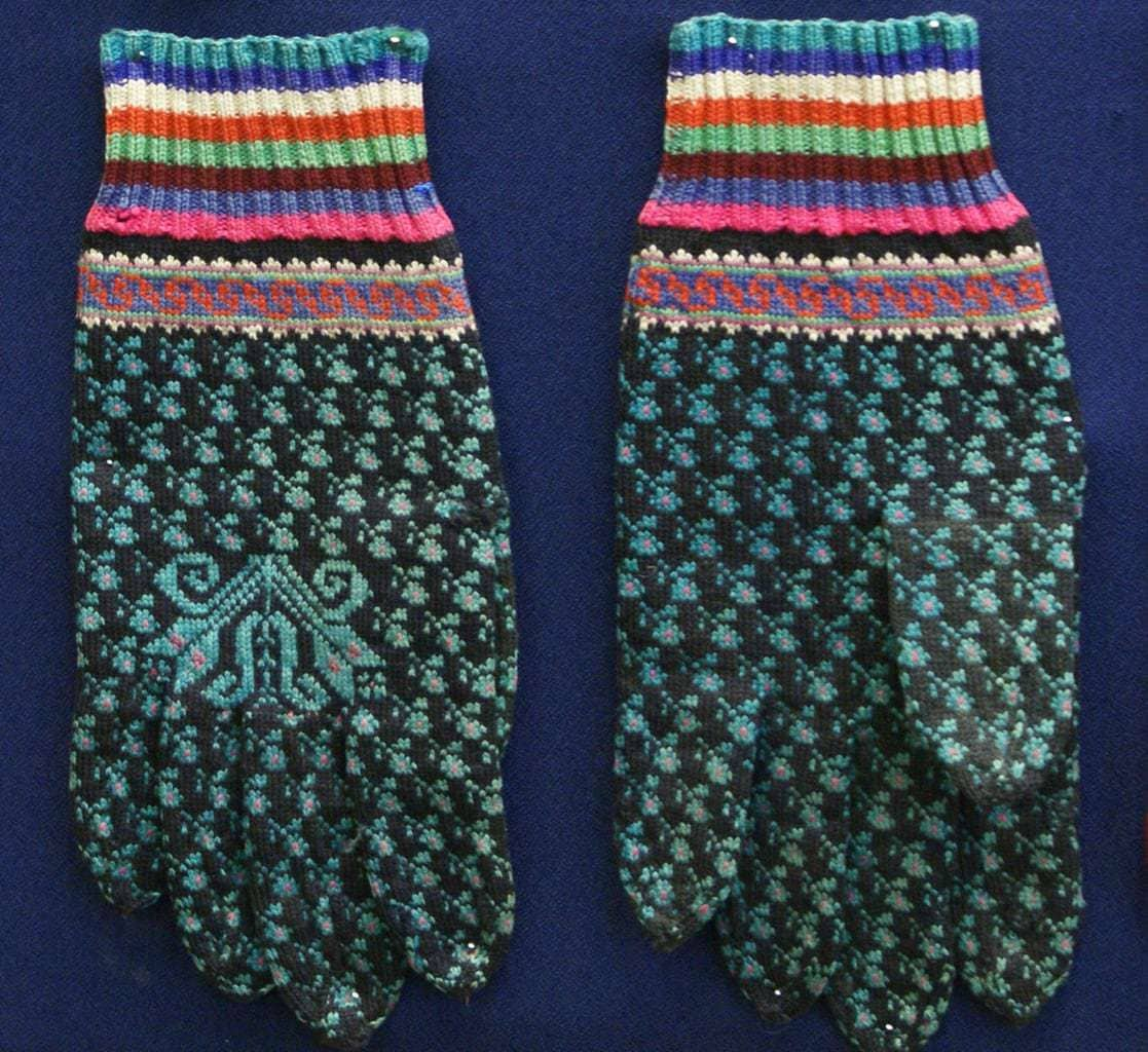 Colorwork gloves from Lithuania Minor