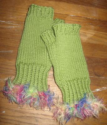 Free Pattern: Fingerless Gloves for Hand Health