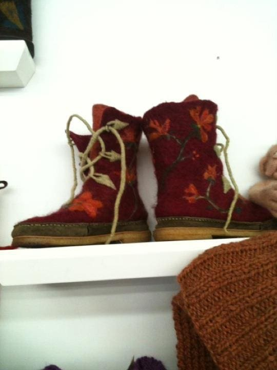 Knitted-felted boots. Cool, huh? I could not resist this pattern from Northeast…