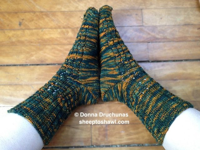 Sock Pattern Available: Toasty Toes