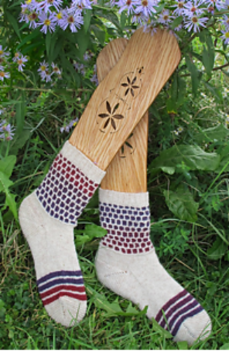 Hornet's Honey Socks Knitting Pattern 4