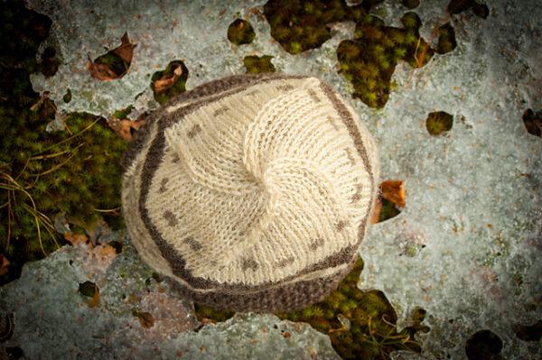Checker Cab Cap Hat Knitting Pattern 3