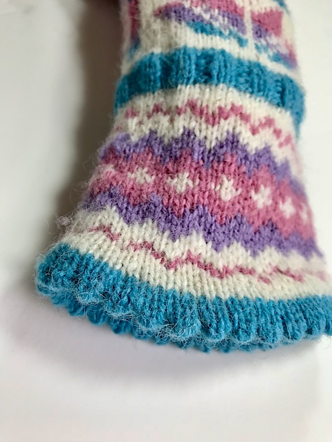 Easter Lily Mittens Pattern 3