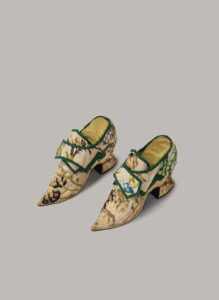 Embroidered 17th c. Dress and Shoes 3