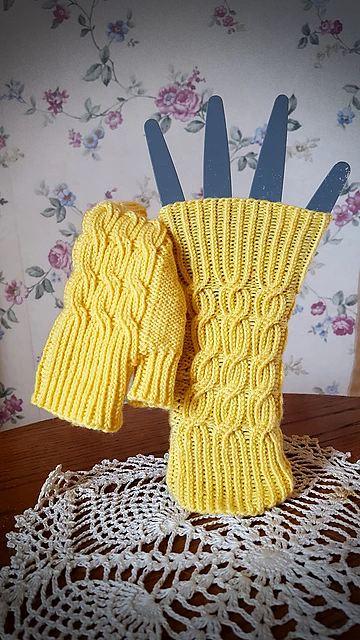 Bavarian Byways Mitts   Knitting Pattern 5