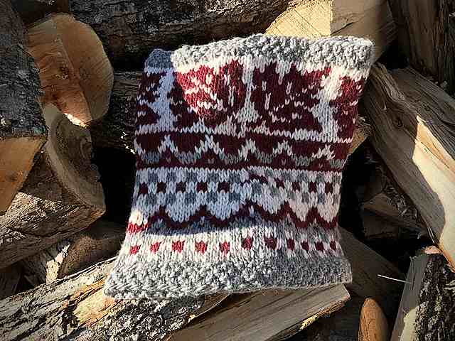 Crossing Into Canada Hood/Cowl Pattern 4